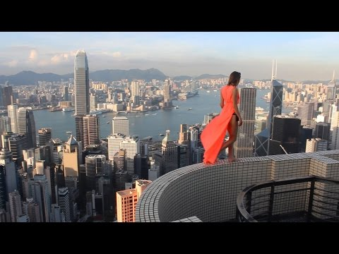 CRAZIEST ROOFTOPPER GIRL IN THE WORLD