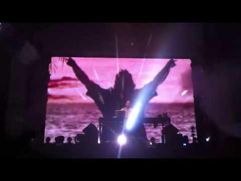 Fatboy Slim - Praise You - Live Sundance Dubai 2012