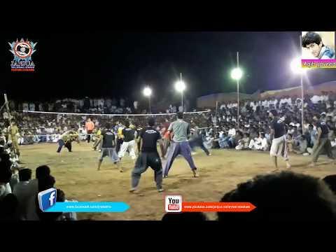 Shooting volleyball show match - Fasal bhatti Vs Kamala din gujjar 2017 in Punjab Pakistan