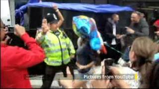 Police Officer dances (skanking) in the Notting Hill Carnival