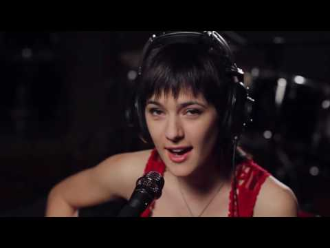 You Get What You See - Sara Niemietz & WG Snuffy Walden - Live