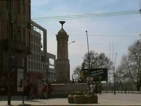 Hotel Moskva and Terazije fountain.wmv