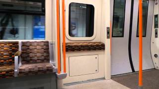 London Overground East London Line|9E35| Class 378, 378229: Wapping - Canada Water