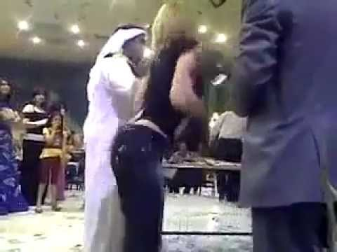 رقص جنسي امام اطفال صغار في الاعراس: ادا عربت خربت thumbnail