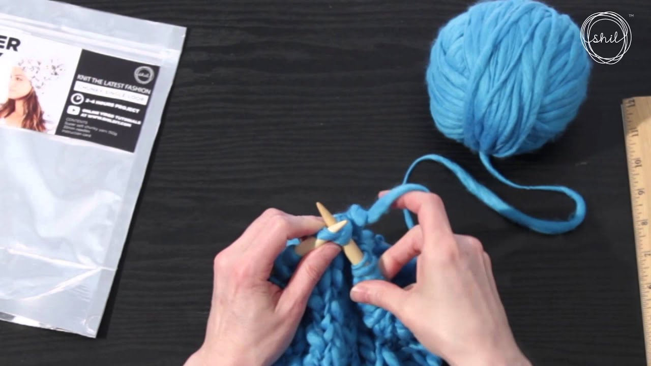 Detailed video lessons on knitting products from thick yarn