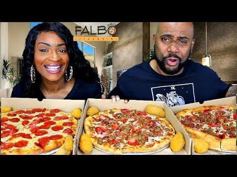 BEEF PEPPERONI DEEP DISH! PIZZA PARTY FRIDAY MUKBANG! FT: FALBO BROS!из YouTube · Длительность: 17 мин51 с