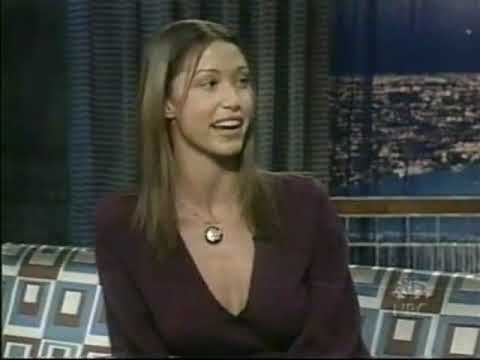 Shannon Elizabeth Interview - 10/17/2001