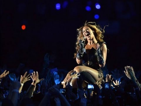 Beyonce Peforms - Super Bowl 2013 NFL Halftime Show