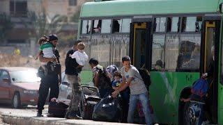 كارثة حقيقية.. تعرف كيف يتم إفراغ دمشق وريفها لأول مرة بالتاريخ ! هنا سوريا