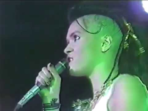 I Want Candy - Bow Wow Wow Live 1982