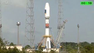 Soyuz Lifts Off From French Guiana With Two Galileo FOC Spacecraft.
