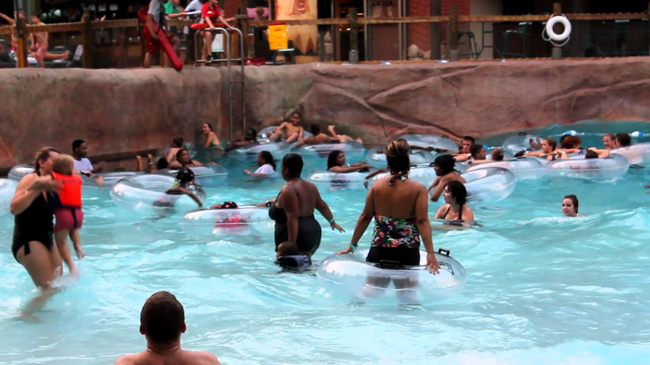 Kids Thrilled Of Sudden Tides In The Wave Pool At Kalahari Resort Youtube