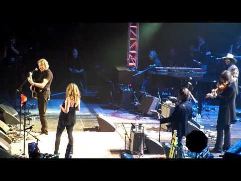 Love For Levon - Wide River To Cross Ft. Roger Waters & Amy Helm 10-3-12 Izod Center, NJ
