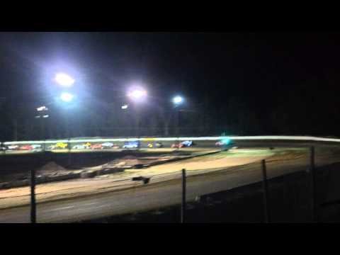 12 year old jordan fowler North Florida speedway 1-30-15  heat crash video from the stands