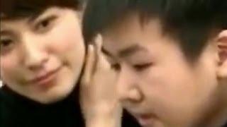 将棋対局中 お姉さんのいやらしい視線(笑) お姉さんに教わりたい 電王AWAKEに勝てたら100万円! 中学生 我慢の限界 囲碁 お姉さん 素晴らしい....