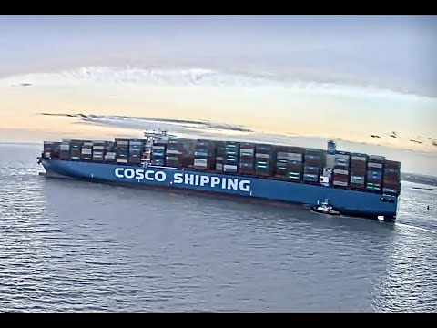 PORT OF FELIXSTOWE:SUFFOLK:UK:RIVER ORWELL:COSC0 SHIPPING PISCES   OUTBOUND   SD 480p