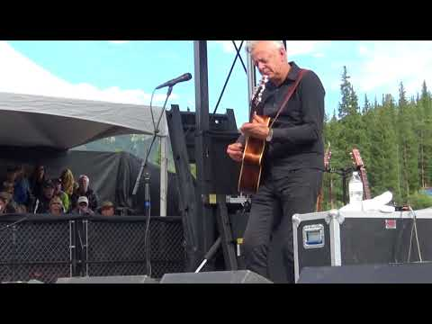 Tommy Emmanuel at Guitar Town 2017