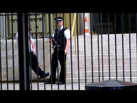 police stop at USA embassy london