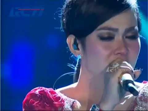 """Syahrini  """"Sandiwara Cinta"""" - AMI Awards 2014"""