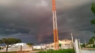 Nuvens pesadas se formam em Pau dos Ferros (RN)