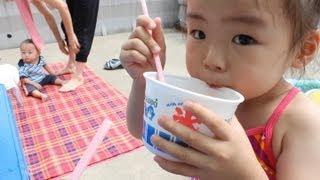 プール遊びを楽しんだRino&Yuuma thumbnail