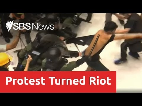 Protesters clash with riot police in Hong Kongs latest anti-extradition violence