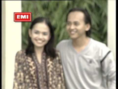Uji Rashid & Hail Amir - Gelora