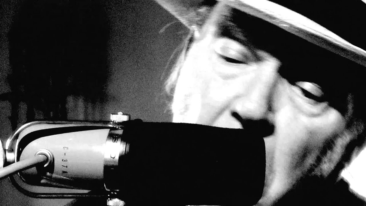 neil-young-love-and-war-video-neilyoungchannel