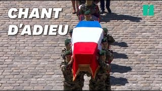 L'hommage national à Cédric de Pierrepont et Alain Bertoncello s'est terminé sur ce célèbre chant