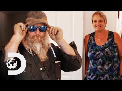 Tony And Minnie Give A Tour Of Their Brand New House! | Gold Rush: The Dirt