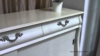 Классическая мебель для гостиной и столовой из массива дуба