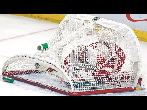 NHL: Goalies Trapped/Glove Saves on Bench