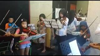 ansamble biola Miracle iringan lagu Gundul-Gundul pacul