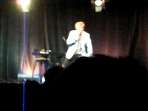 Vic Mignogna singing Guilty Beauty Love!!(Tamaki's Song)