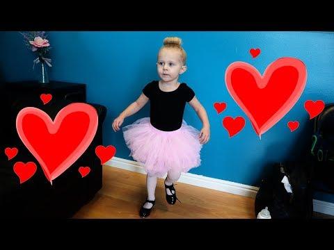 Her FIRST DANCE CLASS! (cute)