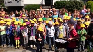 Weitersburg: Kinder verabschieden Bürgermeister Rolf Rockenbach mit einem Lied