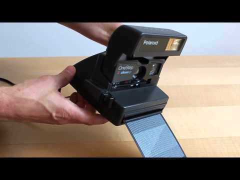 How To Insert A Film - Tutorial: How To Use A Polaroid 600 Camera
