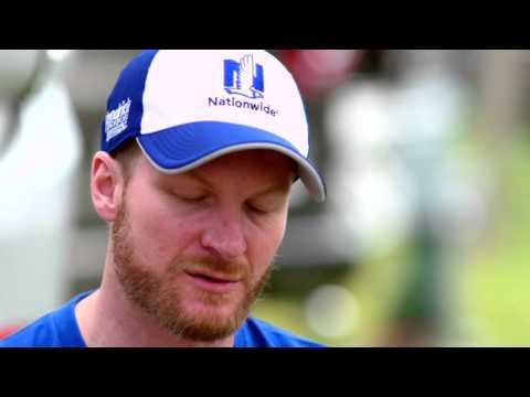 Dale Earnhardt Jr. paying homage to father's influence