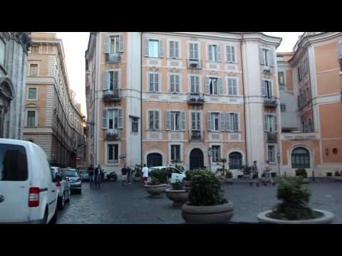 Killer Taxi ride in downtown Rome - Watch the people