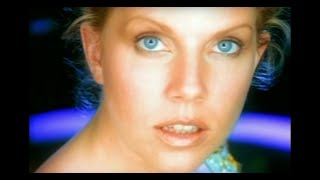 Watch Tanya Donelly Pretty Deep video
