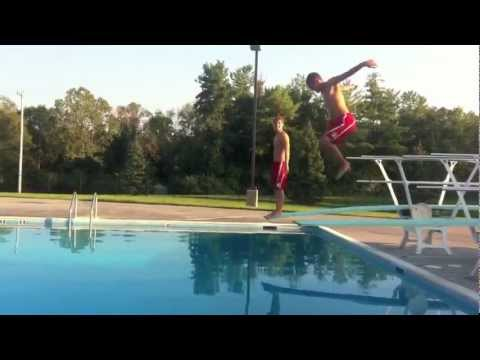 People failing at diving off diving boards doovi for Swimming pool diving board tricks