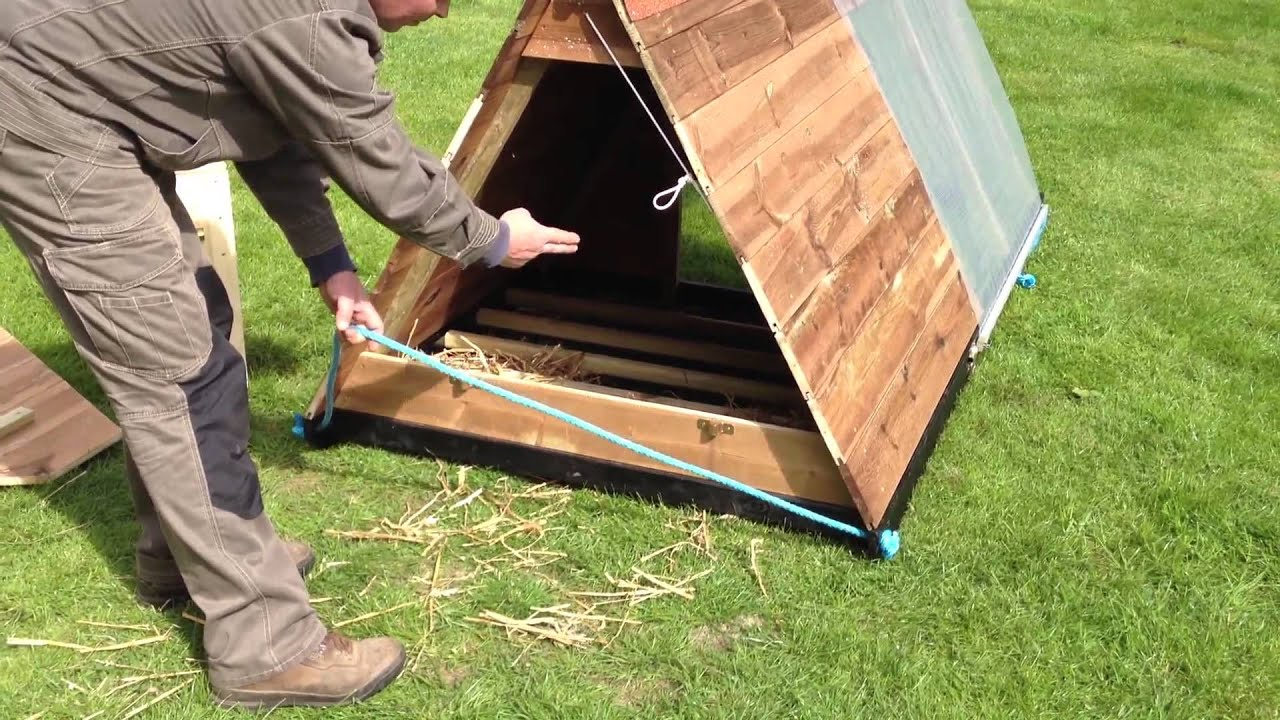 manutention poulailler mobile tracteur poules arao. Black Bedroom Furniture Sets. Home Design Ideas