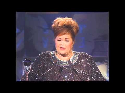 Etta James Accepts Her Rock And Roll Hall of Fame Award in 1993