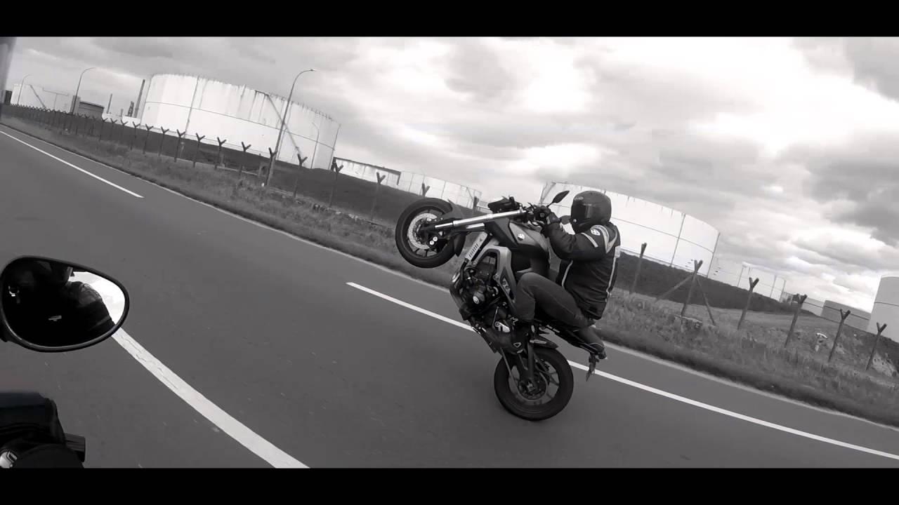 Yamaha R1 Wheelie 2nd Gear First Ride - YouTube
