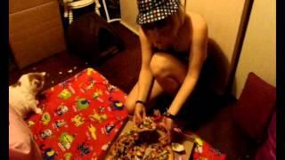 الجنس الثالث بشير ياكل بيتزا لذيذه- ديسمبر 2012