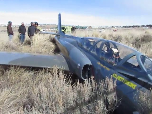 Plane crashes into fence at Elko airport