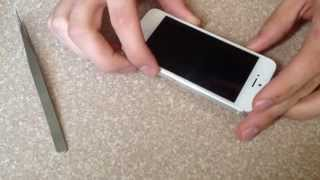 How to insert and remove a SIM card iphone 5 5c 5s