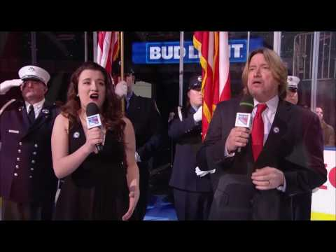 Madelyn & Steve Murphy National Anthem (New York Rangers / MSG / 1/3/17)