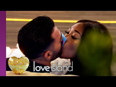 Islanders lock lips in a raunchy suck and blow challenge | Love Island Series 6