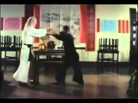Siu Tien Yuen, Hwang Jang Lee, in Dance of Drunken Mantis 1979